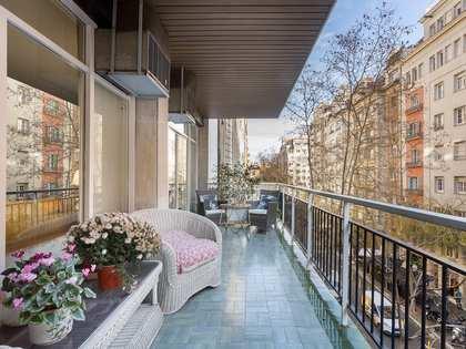Appartamento di 195m² con 12m² terrazza in vendita a Turó Park