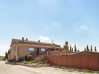 1,817m² Hotel with 2,000m² garden for sale in Alt Empordà