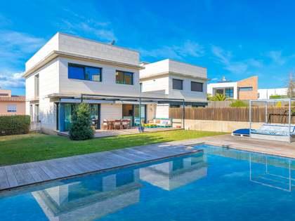 Maison / Villa de 247m² a vendre à Girona Ville, Gérone