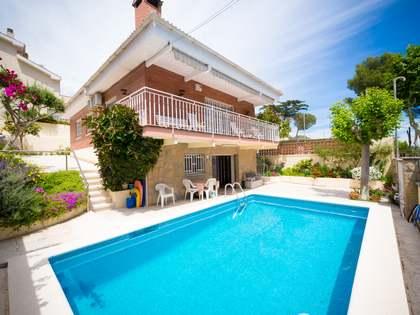 Huis / Villa van 174m² te koop in Castelldefels, Barcelona
