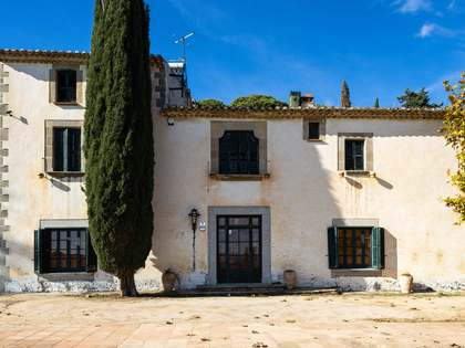530m² Country house for sale in Cabrera de Mar, Barcelona