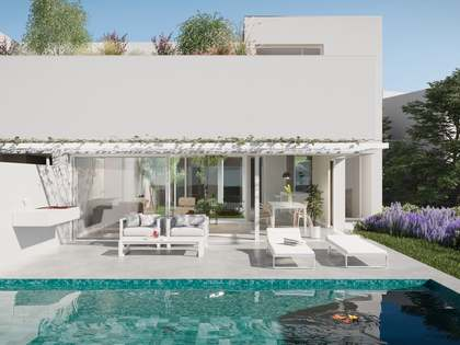 Luxury semi-detached new build villa for sale in PGA, Girona