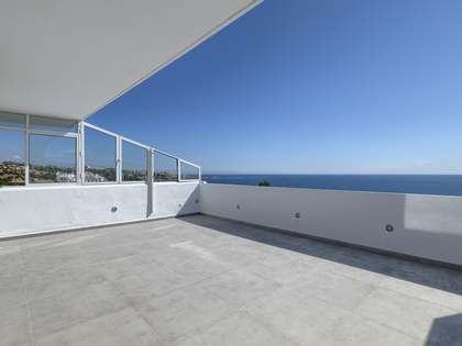 139m² Apartment with 52m² terrace for sale in Estepona