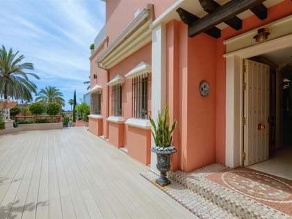 Дом / Вилла 431m² на продажу в Сьерра Бланка / Нагуелес