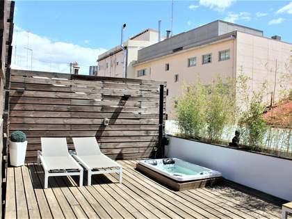58 m² penthouse with 25 m² terrace for sale in Extramurs