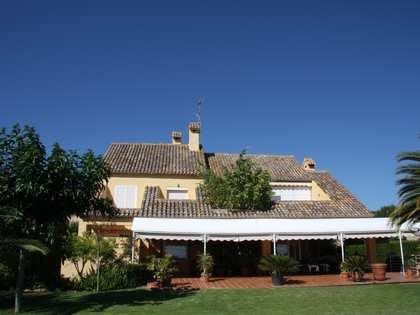 Huis / Villa van 345m² te huur met 500m² Tuin in Puzol