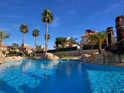 205m² Haus / Villa mit 25m² terrasse zum Verkauf in Alicante ciudad
