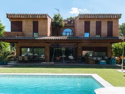casa / vil·la de 512m² en venda a Sevilla, Espanya