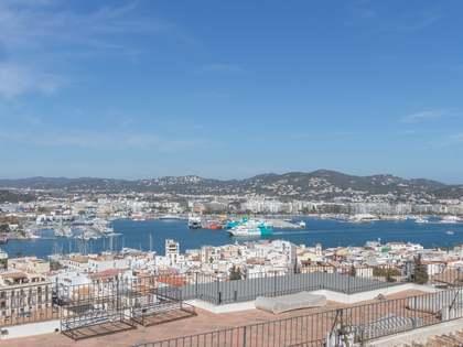 Renovated 2-bedroom townhouse for sale in Dalt Vila, Ibiza