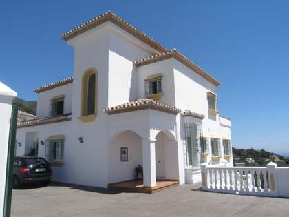 6-bedroom modern villa for sale in Mijas, Costa del Sol
