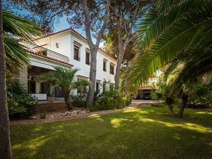 Дом / Вилла 650m² на продажу в Dénia, Costa Blanca