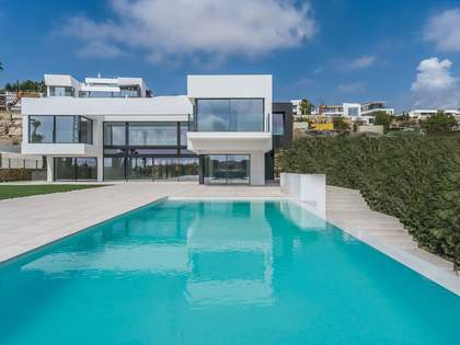560m² House / Villa with 120m² terrace for sale in Benahavís