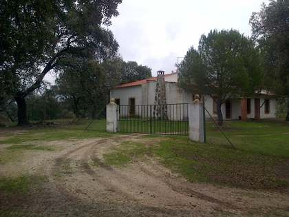 Small country estate for sale in the Sierra de Cardeña, Cordoba