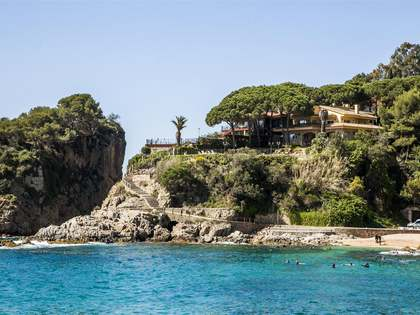 Villa for sale in Blanes on the Costa Brava, Spain
