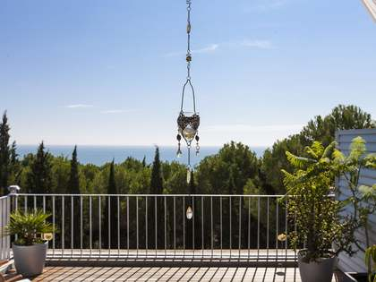 Lovely duplex apartment for sale just south of Sitges