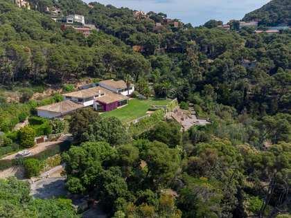 864m² House / Villa for sale in Sa Riera / Sa Tuna