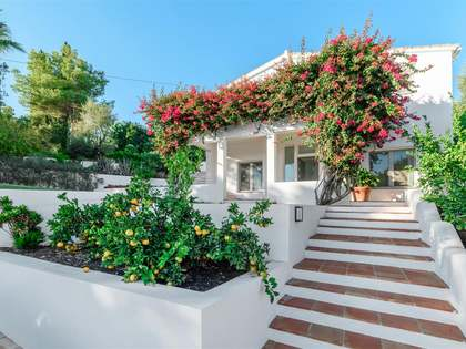 296 m² house with 41m² terrace for sale in East Marbella