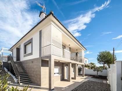 Casa / Vil·la de 204m² en venda a Calafell, Tarragona