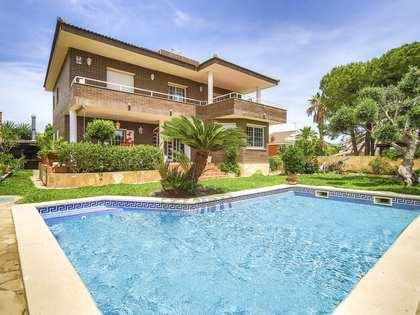 Дом / Вилла 358m², 395m² Сад на продажу в Calafell