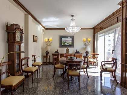 Piso de 193m² en venta en el Mercat, Valencia