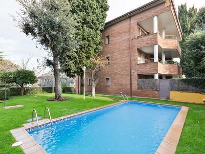 180m² Penthouse with 18m² terrace for rent in Sant Cugat