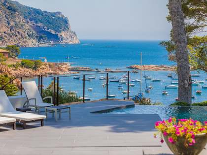 Luxury first line Costa Brava property to buy in Aiguablava