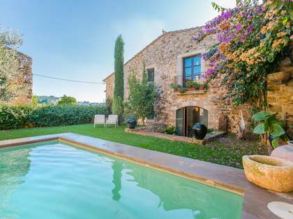 Unique farmhouse for sale in the Baix Emporda