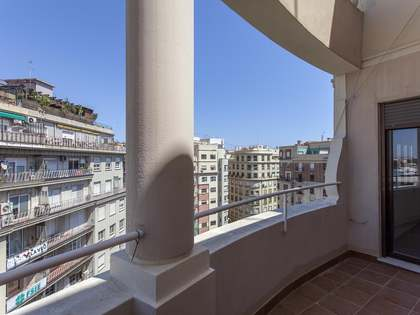 138m² Apartment with 10m² terrace for rent in El Mercat