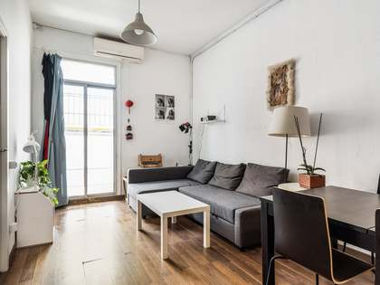64m² Apartment with 8m² terrace for sale in Sants