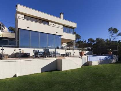 在 Olivella, 锡切斯 346m² 出售 豪宅/别墅 包括 花园 1,264m²
