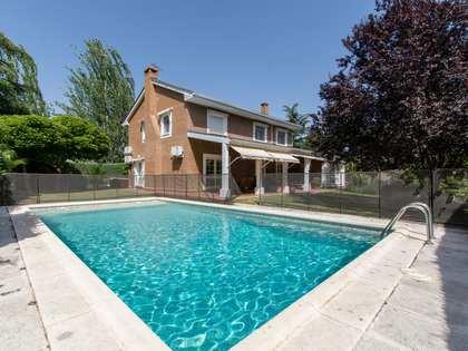 Huis / Villa van 379m² te huur met 700m² Tuin in Pozuelo
