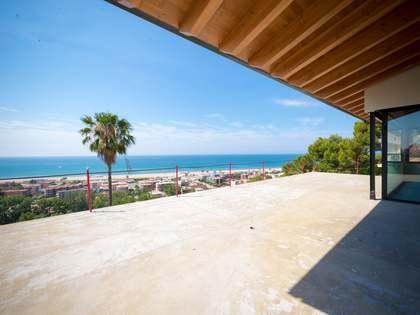 Huis / Villa van 718m² te koop in Castelldefels, Barcelona