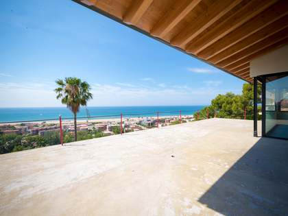 718 m² villa for sale in Castelldefels, Barcelona