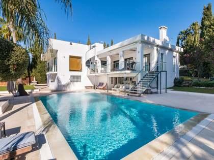Maison / Villa de 260m² a vendre à Nueva Andalucía avec 1,395m² de jardin