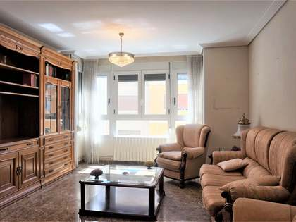 184m² Apartment for sale in Extramurs, Valencia