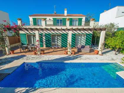 234m² House / Villa with 200m² garden for sale in Sant Feliu de Guíxols - Punta Brava