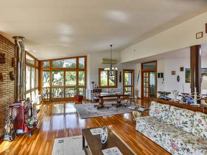 Maison / Villa de 320m² a vendre à Vilanova i la Geltrú avec 600m² de jardin