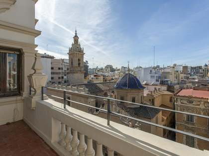 360m² Apartment with 15m² terrace for sale in Sant Francesc
