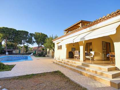 293m² House / Villa for sale in Playa San Juan, Alicante