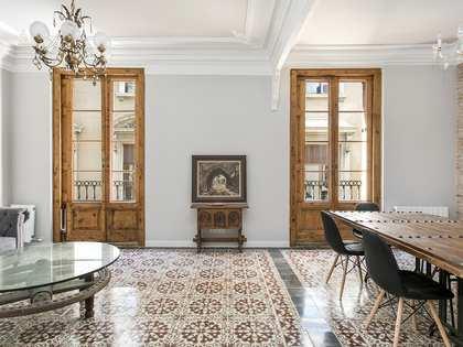 Apartamento renovado de 3 dormitorios en alquiler en el Gótico