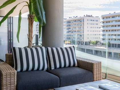 110m² Apartment with 19m² terrace for sale in Badalona