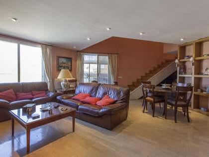Penthouse van 244m² te koop met 80m² terras in El Pla del Real