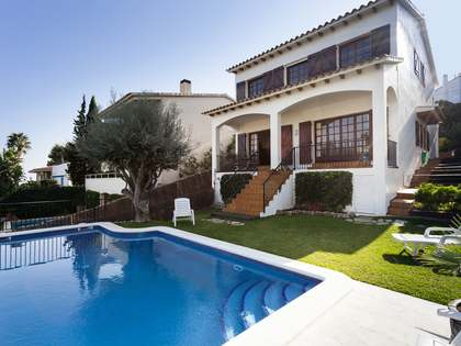 303 m² house for sale in Vallpineda, Sitges