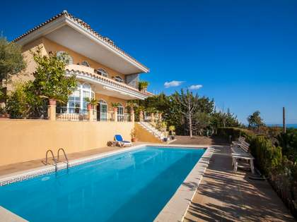 400m² House / Villa for sale in Teià, Maresme