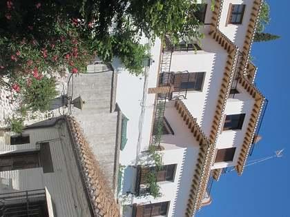 Traditional villa for sale on the Alhambra hill, Granada