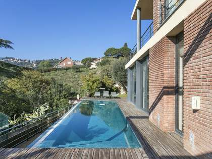 4-bedroom house with an infinity pool for sale in Sarriá
