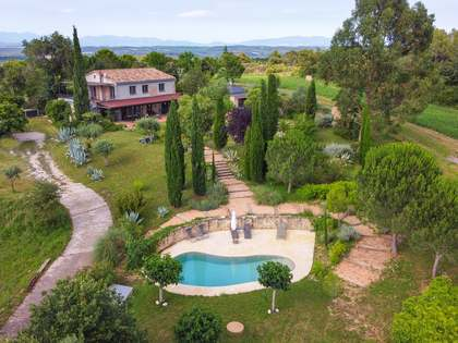 400m² Country house for sale in Pla de l'Estany, Girona