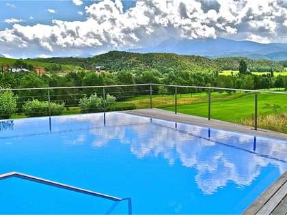 Fabulós xalet en venda a Aravell Golf, a 15 km d'Andorra