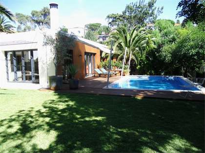 Huis / Villa van 305m² te koop in Cascais & Estoril