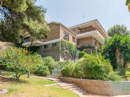 1,205m² Haus / Villa mit 200m² terrasse zum Verkauf in East Málaga